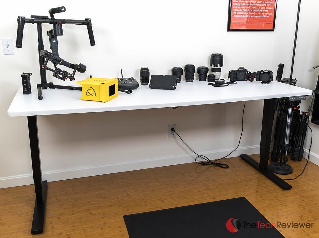 Uplift900-Desk (1 of 3)